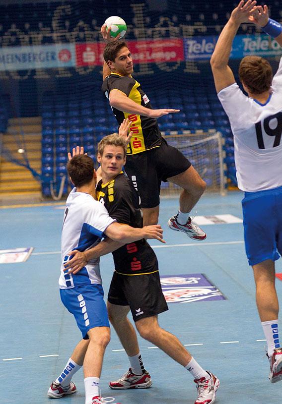 Le poste d'arrière au handball