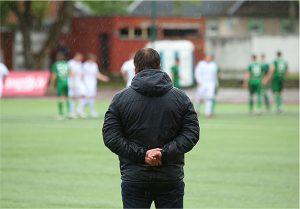 Comment devenir entraîneur de football ?